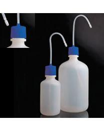 Botellas lavadoras con tapón azul en polietileno